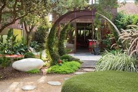 Home And Garden Ideas Landscaping Exciting Tropical Illusions Design And Landscape For Front Yard