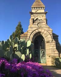 spirit halloween valdosta ga escape the ordinary at atlanta u0027s oakland cemetery