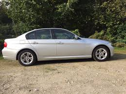 bmw 3 series 2 0 318d es saloon 4dr diesel manual social motors