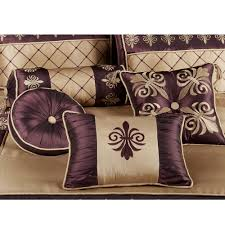 how to place throw pillows on a bed accent pillows for bed beds with decorative ideas guide to