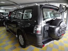 mitsubishi pajero japan mitsubishi pajero 2011 mitsubishi pajero news reviews msrp ratings with amazing