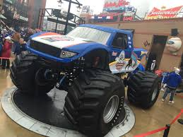 the monster truck bigfoot news u2013 2017 bridgestone winter classic bigfoot 4 4 inc