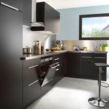 cuisine en noir cuisine noir mat piano de cuisson la cornue chateau fourneau