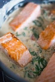 cuisiner un filet de saumon filets de saumon à la crème et aux épinards filet de saumon les