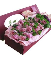 in a box delivery purple box 19 purple roses with green leaves china florist