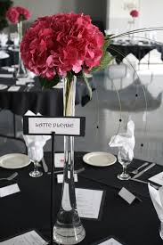 Eiffel Tower Vase Centerpieces The Reddish Hydrangea In An Eiffel Shaped Vase Can Be A