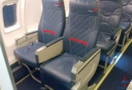 Delta Comfort Plus Seats A Sunday Rant Whoever At Delta Decided Row 1 Crj200 To Be C