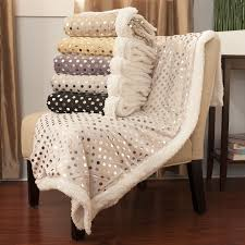 Sherpa Rug The Luxuriously Soft Sherpa Lined Silver Polka Dot Throw Blanket