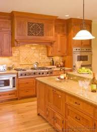 I Like This Combo Medium Golden Cabinets With Lighter Wood Floor - Kitchen designs with oak cabinets