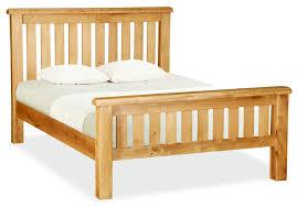 Light Wood Bedroom Furniture Natural Varnished Oak Wood Double Bed Frame Using White Comforter