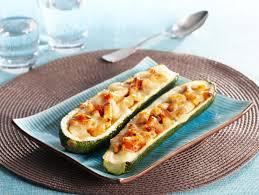 cuisiner de la courgette courgettes farcies au saumon maggi