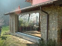 chiudere veranda chiudere veranda a vetri simple tende frangivento per chiudere