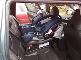 peut on mettre 3 siege auto dans une voiture quel véhicule pour 3 enfants page 2 discussions libres
