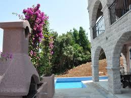 Beautiful Apartment Emerald Apartment Beautiful Apartment With Stunning Views 6853389
