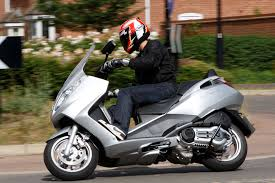 aprilia atlantic 500 2002 2006 review mcn