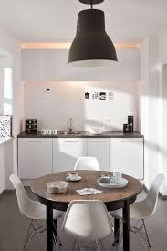 Kleiner Esszimmertisch Zum Ausziehen Ein Runder Esstisch Ist Die Perfekte Lösung Bei Platzmangel