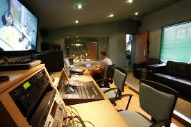 Producer Studio Desk by Canongate Studios Edinburgh 0131 555 4455 Email Al Canongate Com