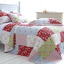 Patchwork Comforter Red And Yellow Floral Comforter Eye For Design How To Decorate
