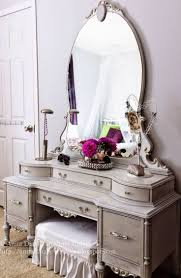 Mirrored Bedroom Furniture Best 25 Makeup Dresser Ideas On Pinterest Makeup Desk Makeup