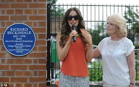 kate beckinsale sheds a tear as she unveils blue plaque in honour