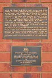 cemetery plaques file deniliquin war cemetery plaques jpg wikimedia commons