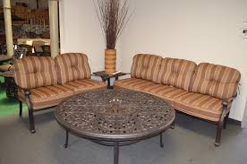 Dining Chairs With Cushions Nassau Cast Aluminum Powder Coated 4 Dining Chairs With Walnut