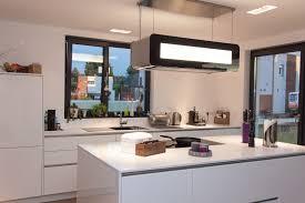 Kochinsel Grifflose Küche In Weiß Mit Kochinsel Und Berbel Skyline