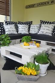 lounge ecke garten upcycling diy lounge aus paletten outdoor wohnzimmer for the