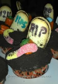 easy to make halloween cakes and cupcakes graveyard cupcake cake