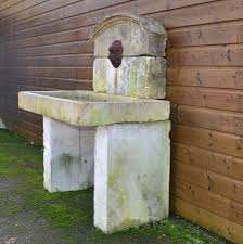 fontaine en pierre naturelle fontaine ancienne murale en pierre bca matériaux anciens