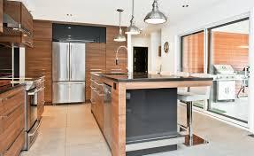 cuisine entierement equipee cuisine contemporaine conviviale armoires novaro cuisines et