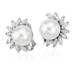 pearl diamond earrings sea pearl diamond earrings are adorned by 3 carats of