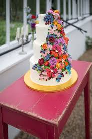 entertain your guest with multi color wedding cakes u2013 weddceremony com