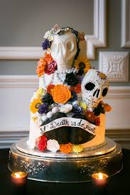 Halloween Cake Walk by Halloween Wedding Details To Inspire The Monster Inside