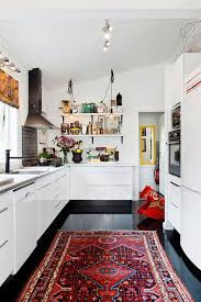Black Kitchen Rugs Can T Go Wrong With Black And White Desire To Inspire