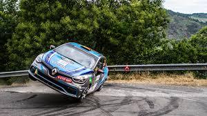 renault rally 2016 renault busca pilotos para rallys y circuitos en 2016 autobild es