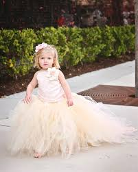 lovely sleeveless tulle flower dress with long train and
