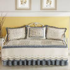 Daybed Bedding Ideas Best Daybed Bedding Ideas Battey Spunch Decor
