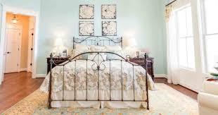 chambre fer forgé chambre avec lit en fer forgé idées décoration intérieure