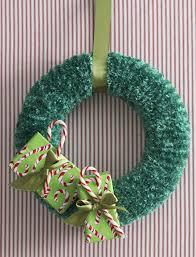 bernat holidays christmas wreath to knit knit pattern