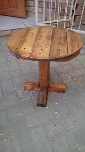Diy Wooden Table Top by Diy Pedestal Pallet Round Coffee Table 99 Pallets