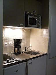 disposition cuisine cuisine éponge et produit vaisselle à disposition picture of