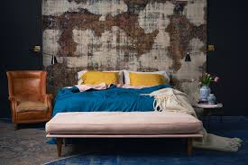 how to style colored bed sheets according to celebrity interior