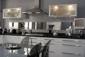 cuisine blanc et noir modele cuisine noir et blanc fabulous indogatecom cuisine faience