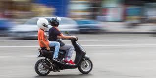 si e enfant scooter rouler avec un enfant sur scooter assurance
