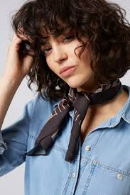 medium haircut for curly hair best 25 curly hair with bangs ideas only on pinterest curly