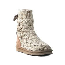 s isla ugg boot 193 best boots images on casual boot