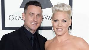 carey hart hair carey hart shares 10th anniversary message to pink with adorable