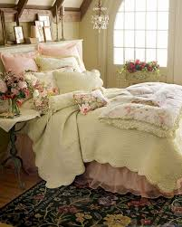 Shabby Chic Beds by Best 20 Shabby Chic Ideas On Pinterest Bedroom Vintage Chabby