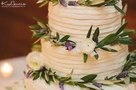 fleur de lis wedding cake old christ church and palafox wharf wedding